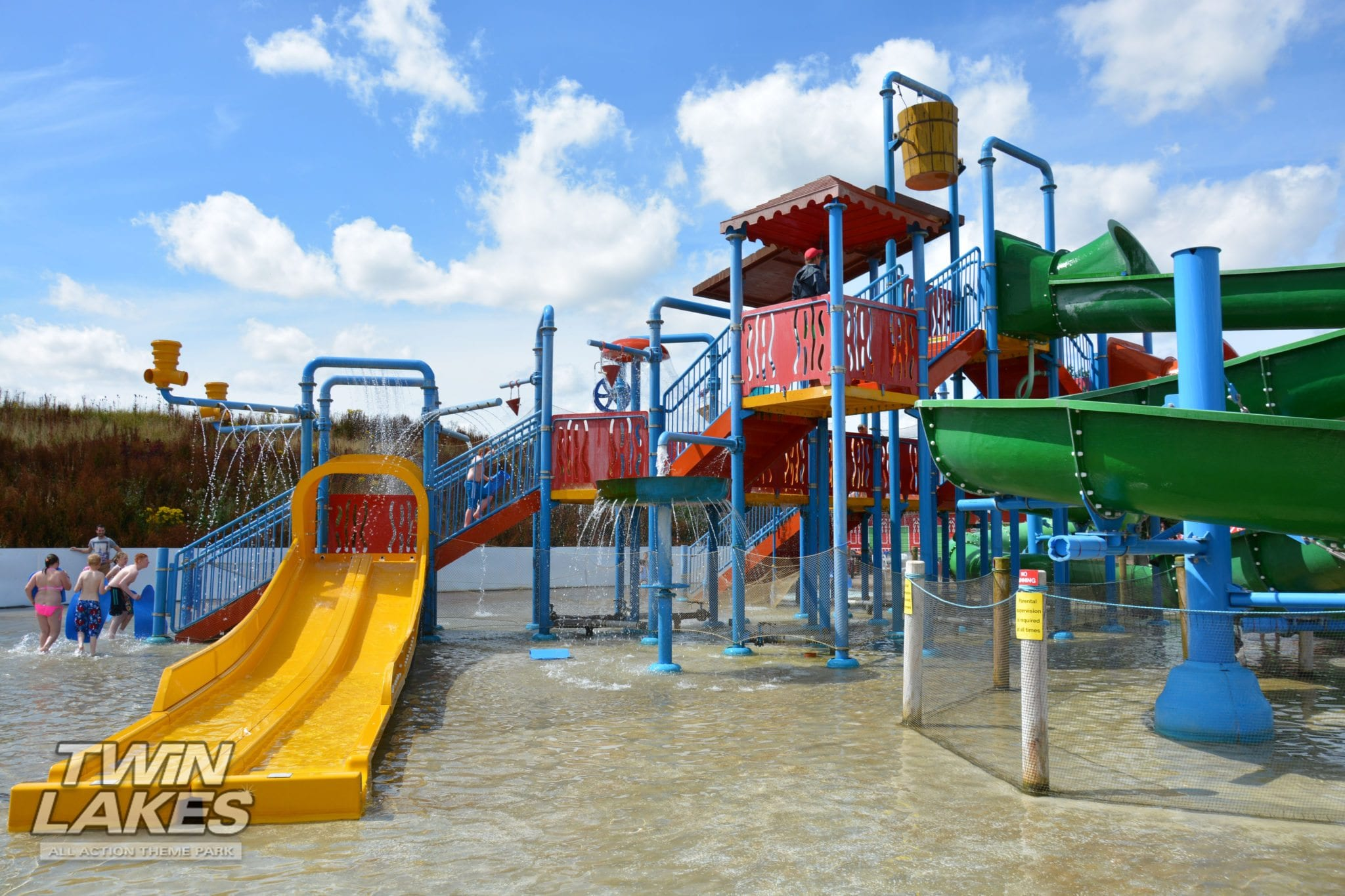 Chill out at our Waterpark! - TWINLAKES