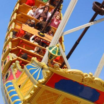 Twinlakes Park - New Ride The Gladiators Galleon : Pic by Lionel Heap.