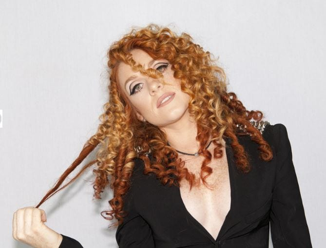 Donna Ramsdale as Jess Glynne tribute